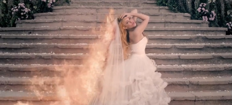 Shakira Empire Fire
