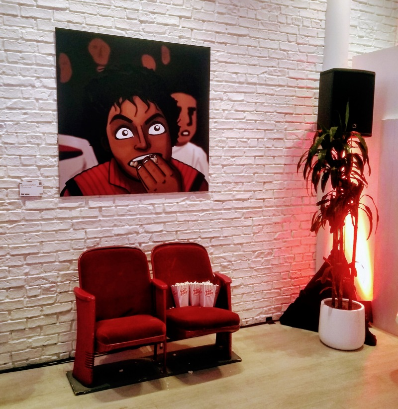 Michael Jackson eating popcorn thriller bet museum of meme